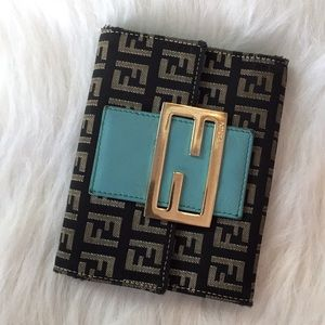 Fendi wallet AUTHENTIC! So on trend!!